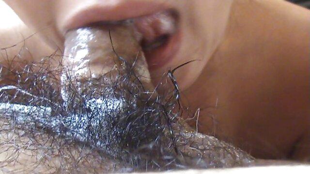 Joven morena caliente tiene un casting sexual videos maduras xxx gratis en el sofá