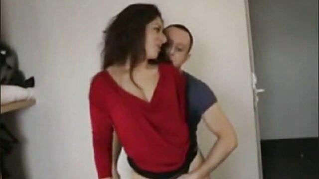 La joven ofreció algo interesante en el sexo. videos xxx con maduras