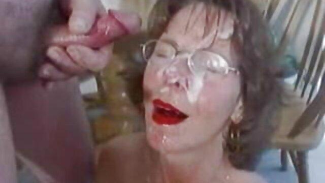 Lujosa ama de casa madura seduce descaradamente a un joven en una videos xxxx maduras follada brutal