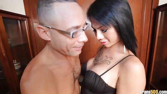 Imágenes picantes de la vida familiar de una joven stripper maduras peludas desnudas