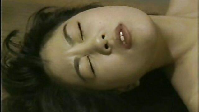 Hermosa joven asiática se corre de un consolador xxx videos maduras gratis de vidrio