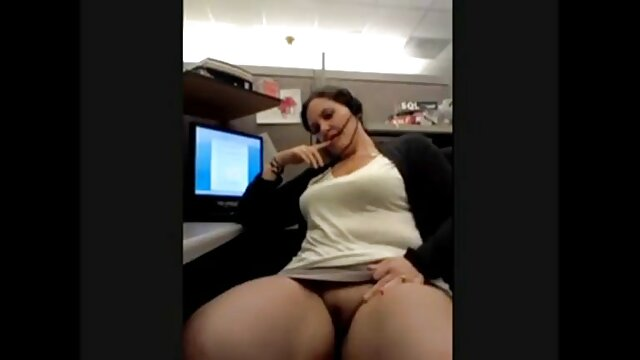 La niña está sexualmente viejas maduras culonas agradecida con su novio.